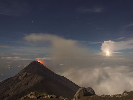 acatenango-volcano-guatemala_77416_990x742